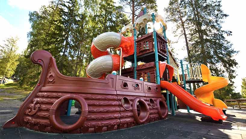 Camping med lekplatser i värmland